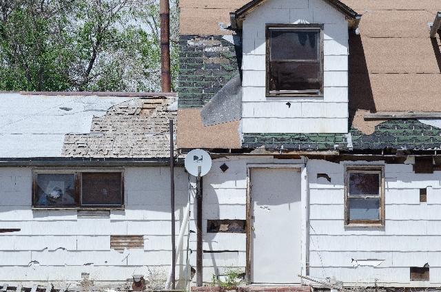 外壁をなぜ塗り替えなければならないのでしょうか?