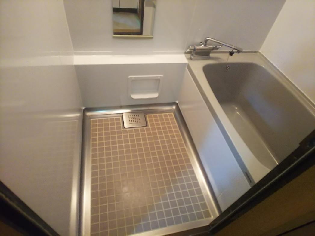 アパート浴室再塗装工事